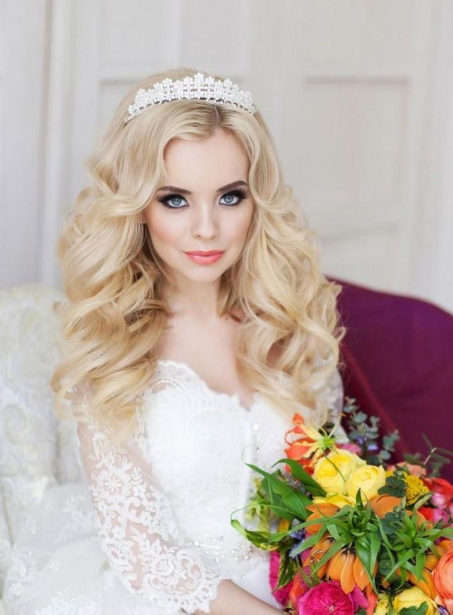 Красивые свадебные прически 2020-2021 года: 100 лучших фото идей