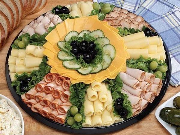 Удивляем гостей красивой нарезкой - фото идеи нарезки на праздничный стол