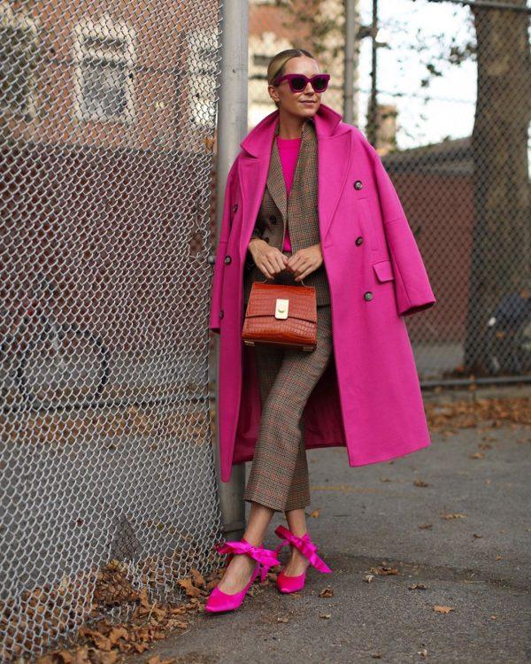 розовое пальто на осень-зиму на фото
