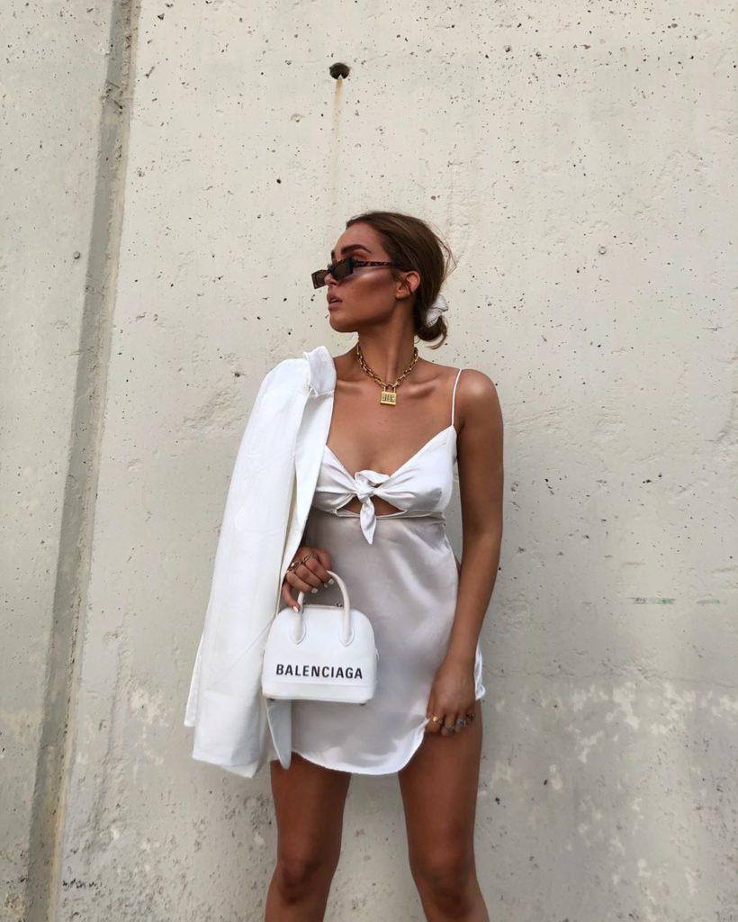 Бельевой стиль в одежде 2020-2021: как носить одежду в пижамном стиле, идеи образов, примеры