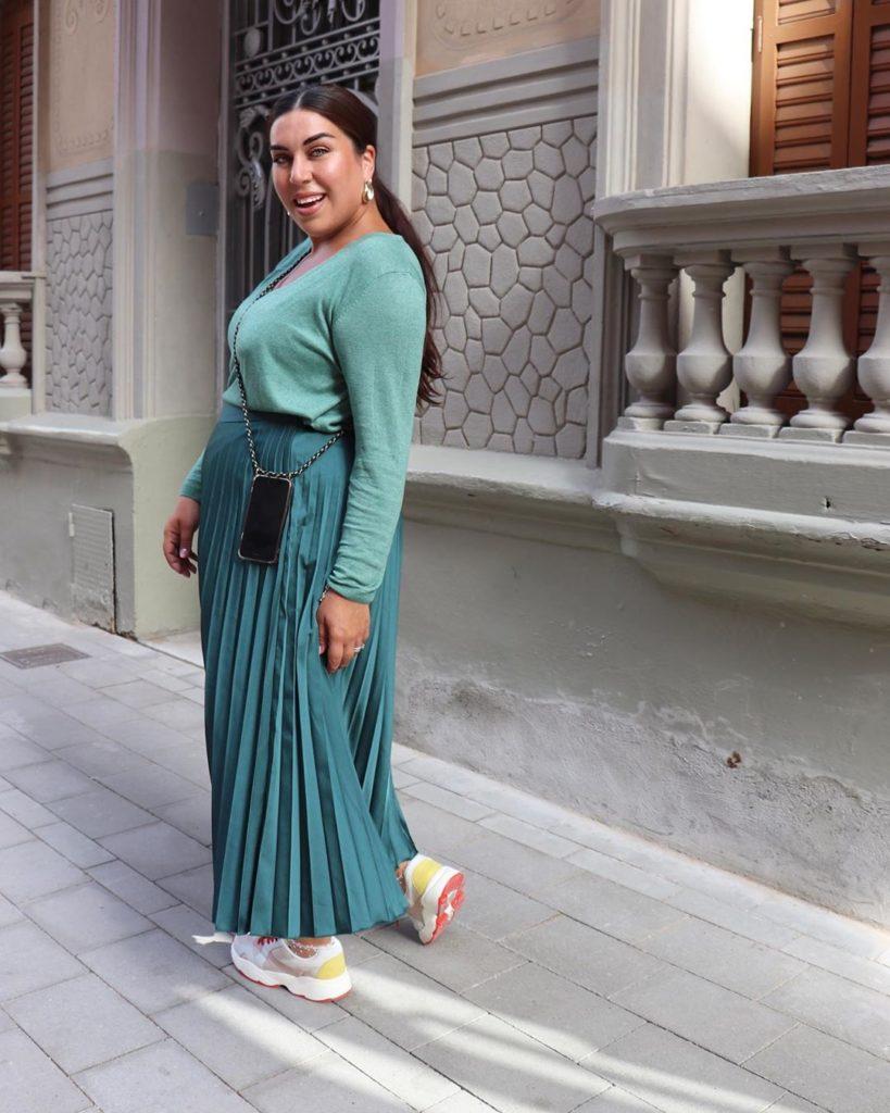 Модные юбки на пышные формы: лучшие фасоны юбок для полных в сезоне 2020-2021 года